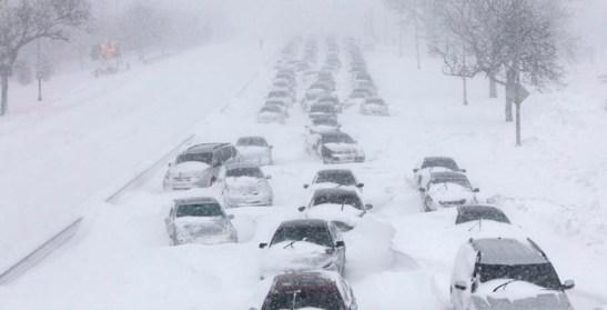 Jak przetrwać zimą w samochodzie.