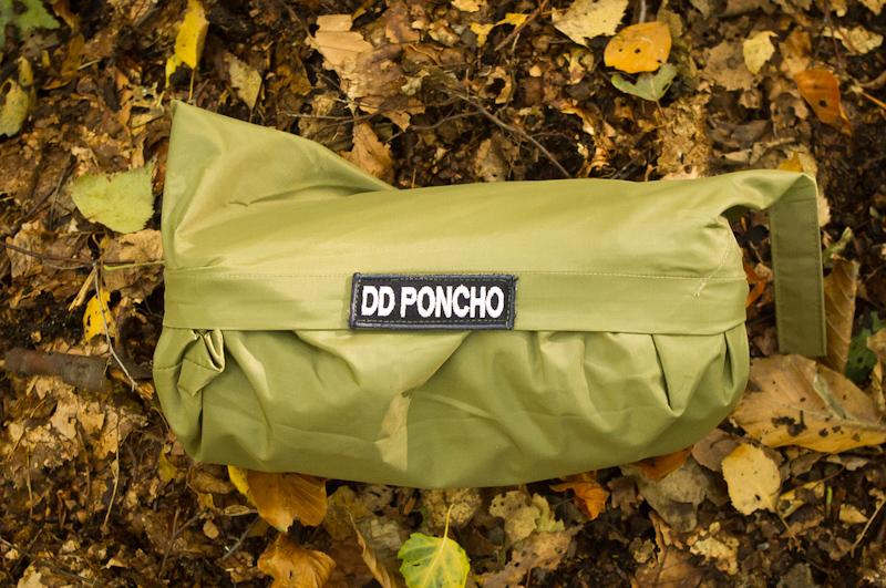 Poncho – ochrona przed deszczem i survivalowe schronienie
